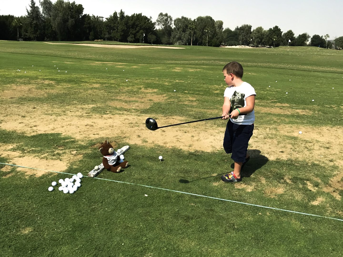 11 incredible things to do in Qatar - Thing 1 at the driving range