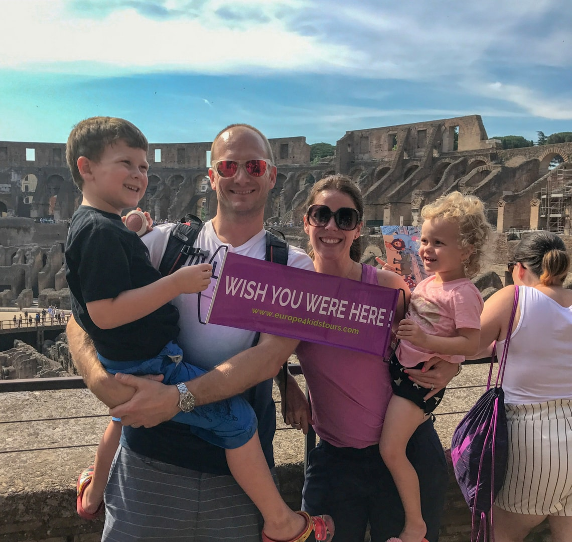 Last minute - Wanderlust family in the Colosseum in Rome