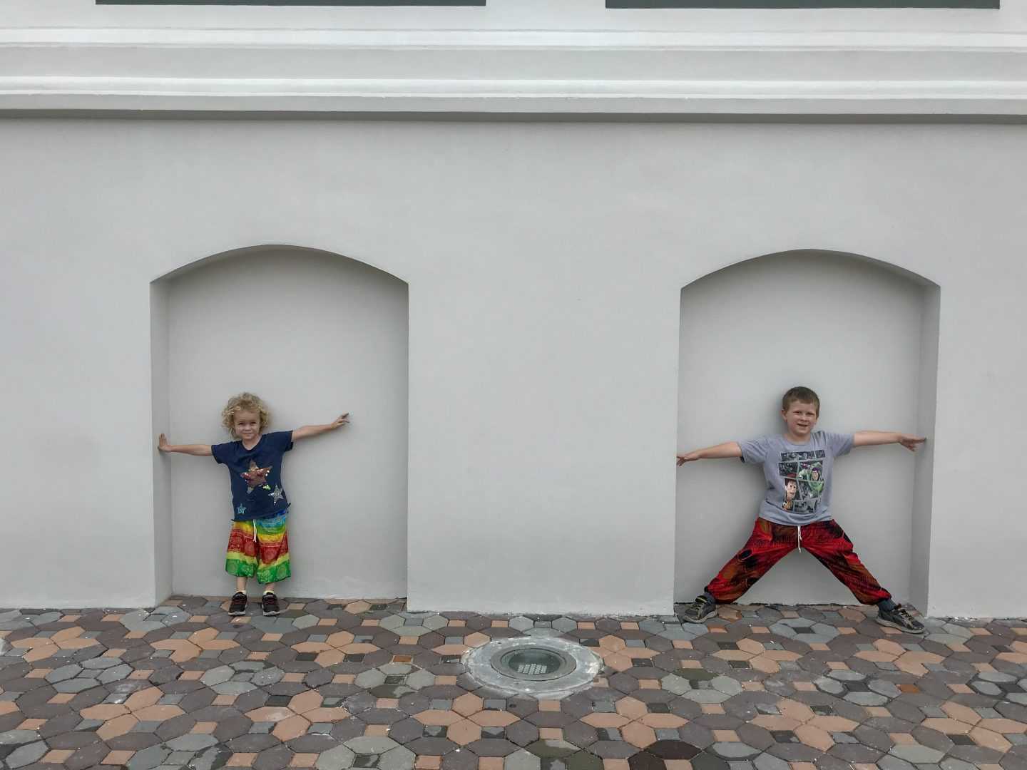 Lessons learned from travelling with kids - the Things outside the (closed) palace