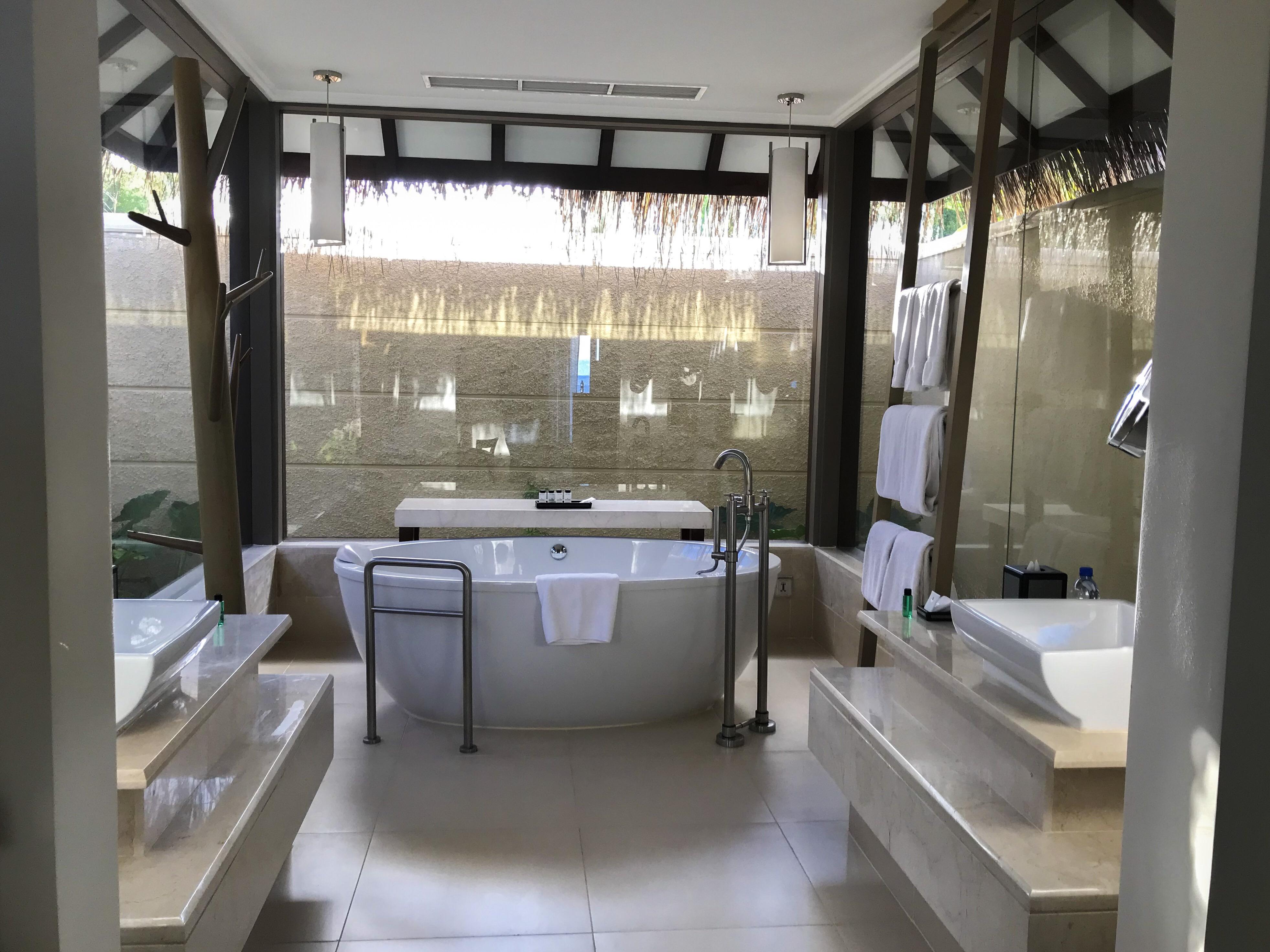 Island Cottage Pool Bathroom