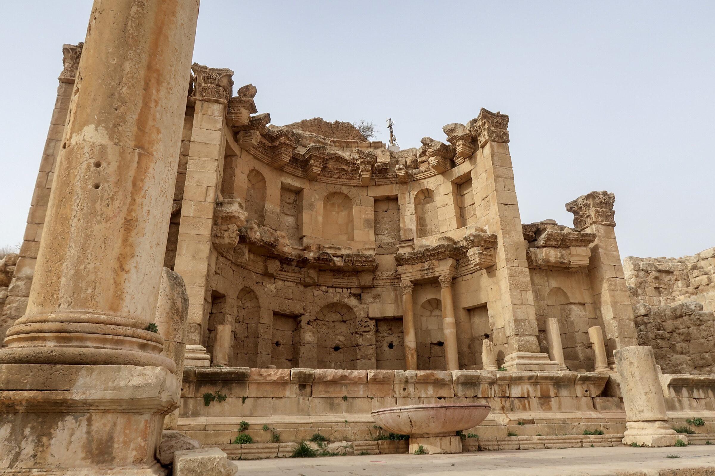 Jordan Adventures Part I - Amman. Jerash was so amazing - a total surprise!